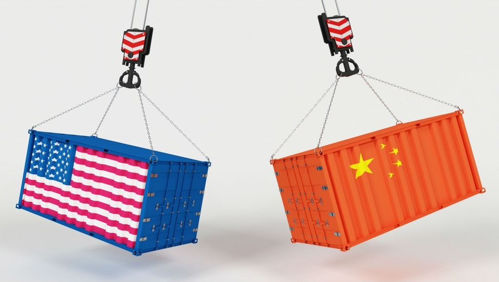 usa and china shipping containers