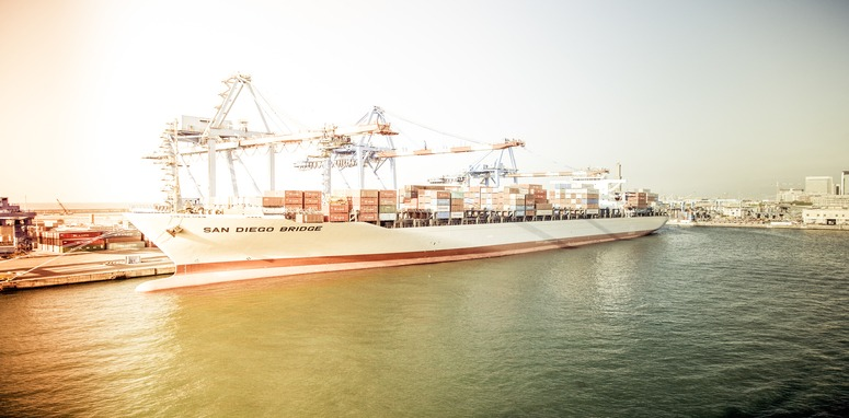 globalization commodity flow at harbor