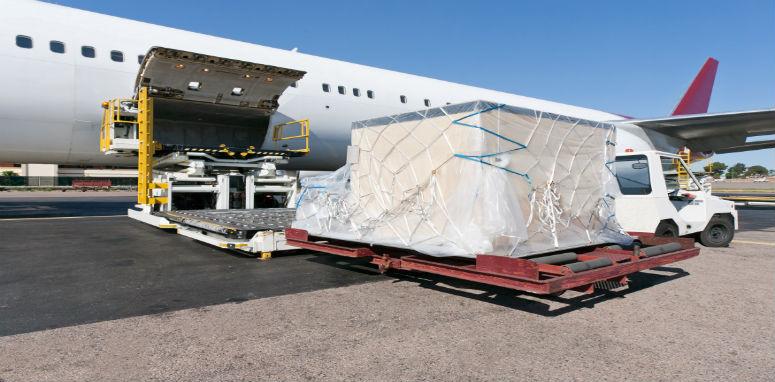 loading cargo on plane